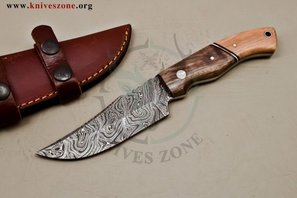 Custom Made Damascus Steel Fixed Blade Knive Maker  470