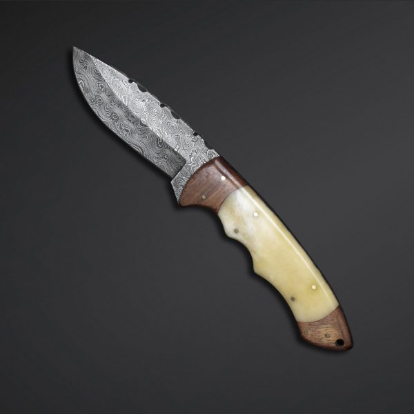 Damascus steel fixed blade hunting knife with handle of camel bone come with Overall Length of 9.25 inches and rose wood ideal for hunting made with pure Damascus steel